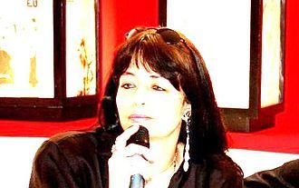 Kátya Chamma - Image: Katya Chamma Feira Do Livro close Mm 3