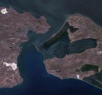 Kerch Strait, Ukraine, Russia, near natural colors satellite image, LandSat-5, 2011-08-30.jpg