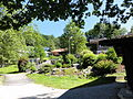 Kochel am See (Seeufer, beim Bootsverleih) - Kleine Gartenanlage.JPG