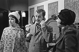 Christine Ewert (links), Luc Lutz en Do van Stek in Koekoek op het nest (1966)