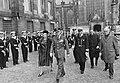 Koningin Juliana en prins Bernhard tijdens inspectie van de erewacht, Bestanddeelnr 918-8586.jpg