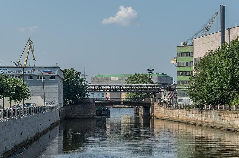 Korabelny Bridge SPB 01.jpg