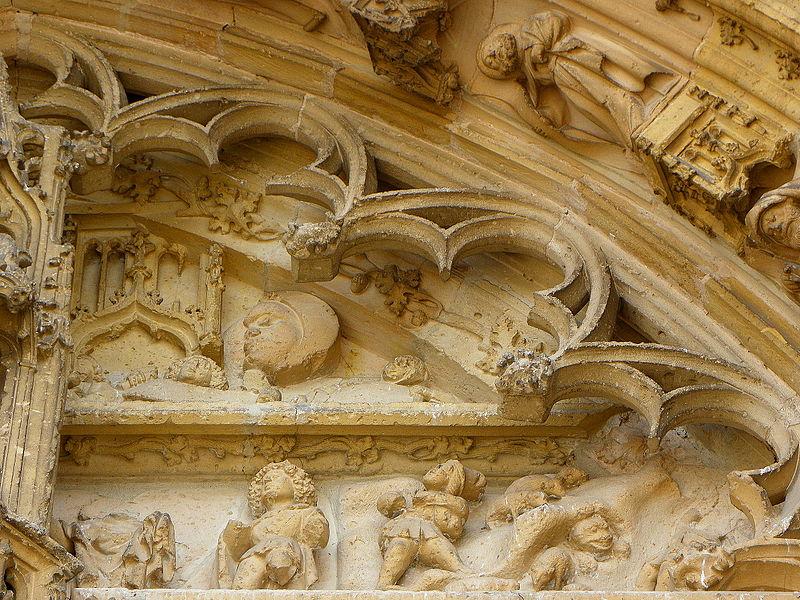 Portail central de la basilique Notre-Dame de l'Épine (51). Tympan. Bergers de la Nativité.