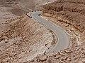 L1010156מבט על הכביש המטפס במעלה העקרבים.jpg