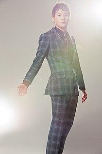 LG 옵티머스 Q2 광고 사진 - JYJ(3).jpg