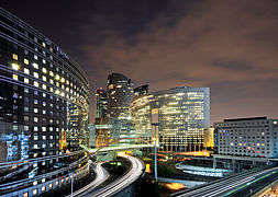 La Défense de nuit, Paris, France 2.jpg