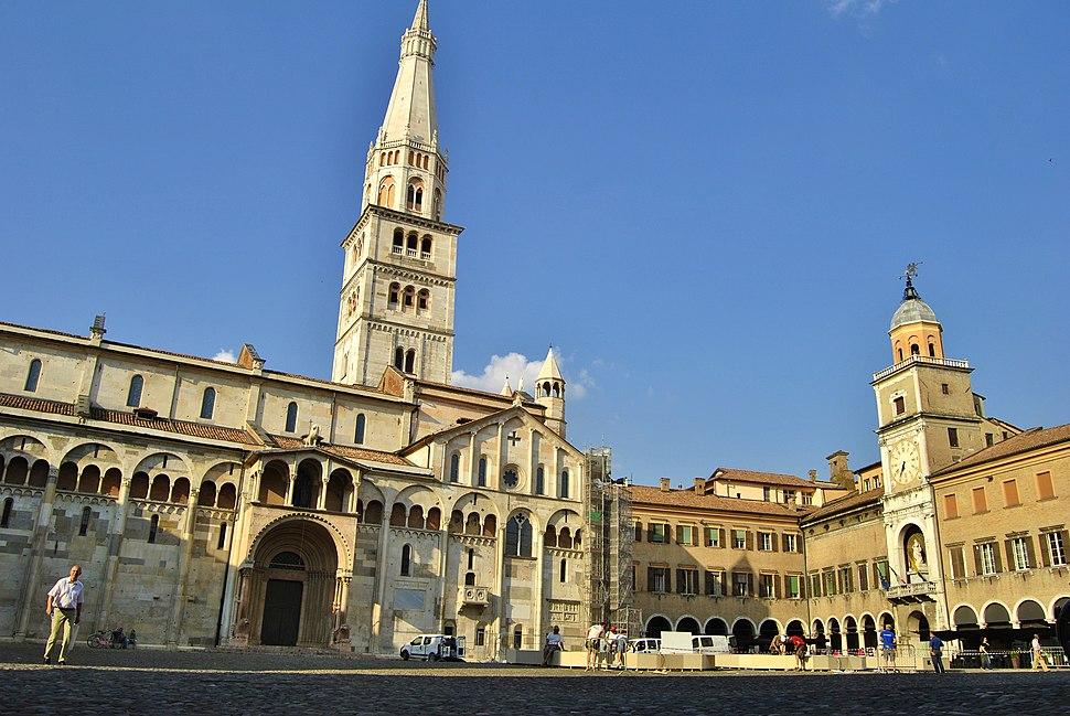 La Piazza Grande di Modena