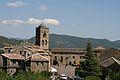 La Plaza Major et l'église collégiale Sante Maria à l'Aìnsa-Sobrarbe.jpg
