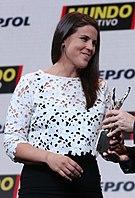Laia Sanz tar emot ett pris 2016.