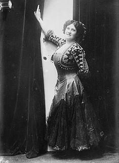Lalla Miranda singer