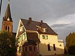 Langenfeld-Pfarrhaus-Kirche-Reusrath.JPG