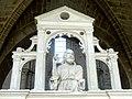 Laon (02), église Saint-Martin, bas-côté sud, chapelle devant la 7e travée, clôture, attique - le Christ bénissant 1.jpg