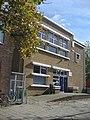 Leiden - Schoolgebouw in Zakelijk Expressionisme stijl, thans diverse functies.jpg