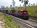 Locomotivas de comboio que passava sentido Guaianã pelo pátio de cruzamento Convenção em Itu - Variante Boa Vista-Guaianã km 194 - panoramio.jpg