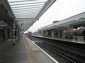 Worthing railway station - Looking westwards from Worthing station