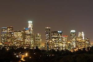 English: Los Angeles Skyline at Night Español:...