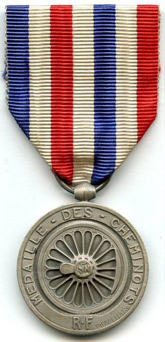 Honour medal of railroads - Image: MÉDAILLE D'HONNEUR DES CHEMINS DE FER 1939 1953 grade argent