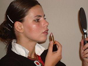 Lipstick feminism - Image: Makeup femin