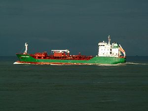 Marianne Wonsild leaving Port of Rotterdam, Holland 11-Feb-2006.jpg