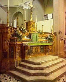 Chiesa di maria santissima annunziata modugno wikipedia for Antica finestra a tre aperture