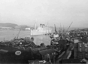 Thos W Ward - The RMS ''Mauretania'' arrives at Inverkeithing ready to be broken for scrap, 1965