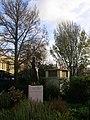 Max Miller Statue - geograph.org.uk - 1055503.jpg