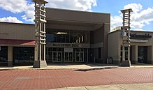 McAlister Square Mall Greenville, SC (15590134026).jpg