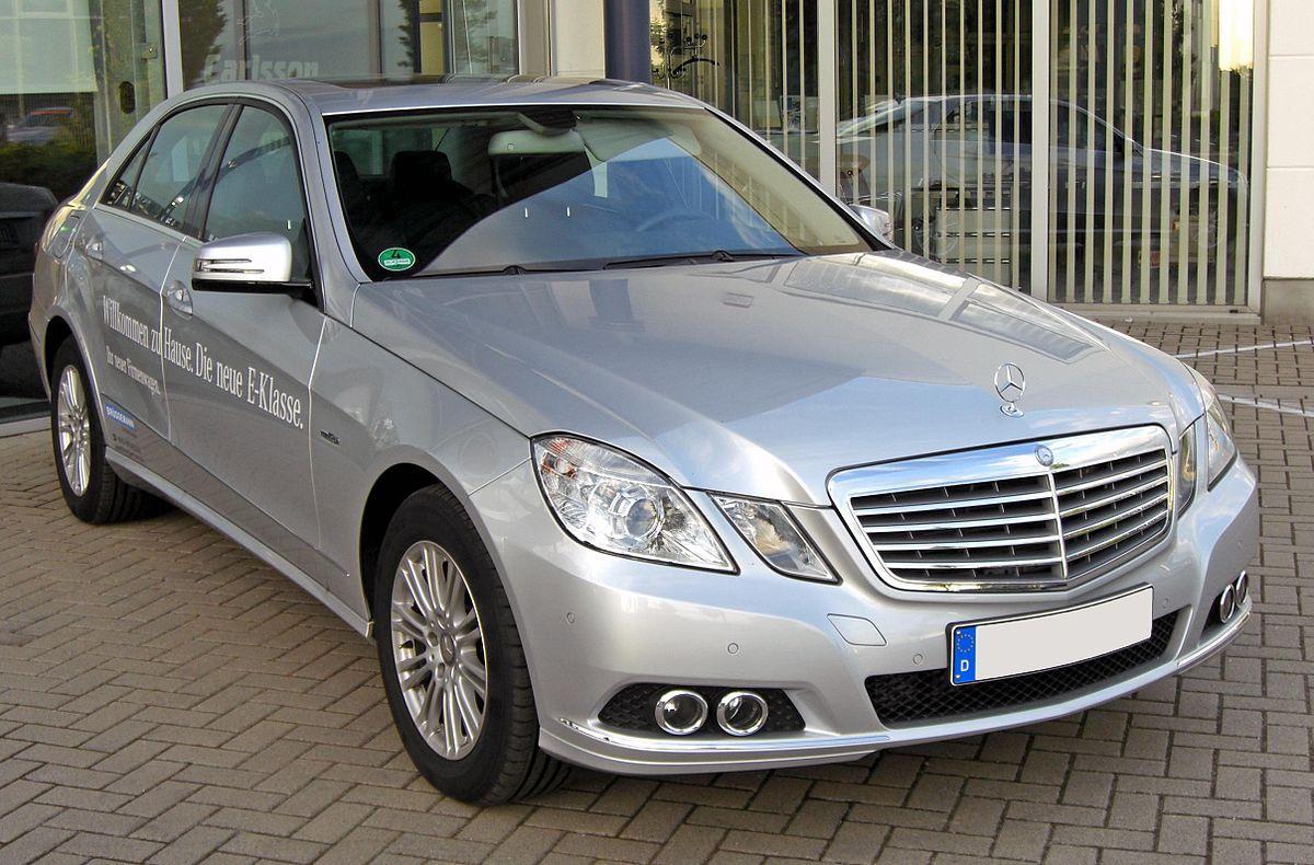 Mercedes E 250 CDI BlueEFFICIENCY Elegance 20090518 front.JPG