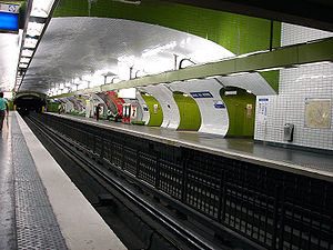 Gare du Nord (Paris Métro) - Image: Metro de Paris Ligne 4 Gare du Nord 01