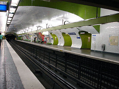 Metro de Paris - Ligne 4 - Gare du Nord 01.jpg