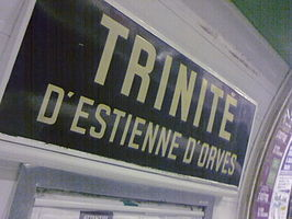 Metro paris trinite d'estienne d'orves.jpg