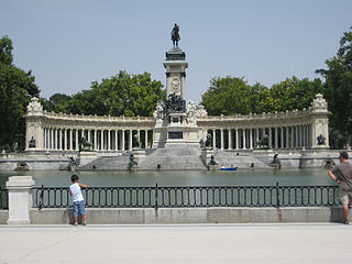 Monumento a Alfonso XII (Madrid) 01g.jpg