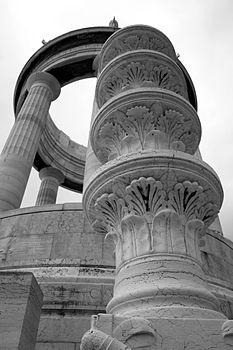 Monumento ai Caduti - particolare -.jpg