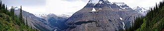Rainbow Range (Rocky Mountains) - Image: Mount Robson SW Face and area