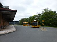 Movia bus line 670 and 460 at Skælskør Station.JPG