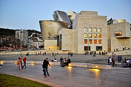 Museo Guggenheim (Bilbao).jpg