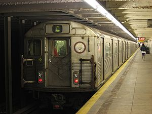 R38 (New York City Subway car) - Image: NYC Subway 4143