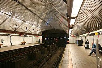 Roosevelt Island (IND 63rd Street Line) - Image: NYC Roosevelt Island station