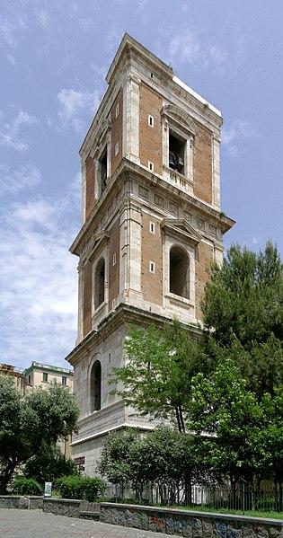 https://upload.wikimedia.org/wikipedia/commons/thumb/c/c9/Napoli_BW_2013-05-16_12-49-18_DxO.jpg/315px-Napoli_BW_2013-05-16_12-49-18_DxO.jpg