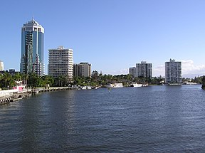 Narang River in Surfers Paradise.jpg
