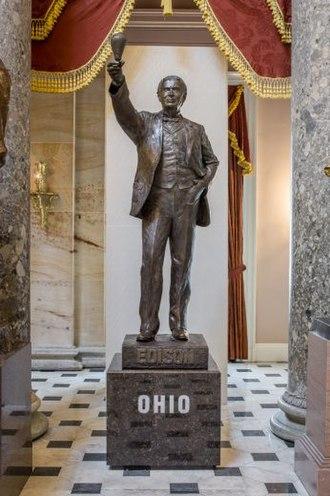Thomas Edison (Cottrill) - The statue in 2016