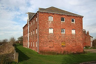 Louth Navigation - The Navigation warehouse at Austen Fen, built in the 19th century