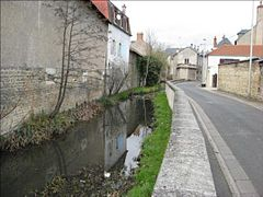 Nevers riv nievre 02.JPG