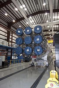 Nine Merlin 1C engines of a Falcon 9.jpg