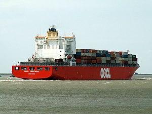 OOCL Montreal, at Port of Antwerp, Belgium 23-May-2005.jpg