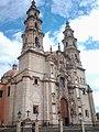 OTRA VISTA DE LA PARROQUIA DE LA ASUNCION DE LA V. MARIA. EDIFICADA EN EL S. XVIII. LAGOS DE MORENO, JALISCO. MEXICO (cropped).jpg