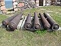 Old cannon barrels in Suomenlinna.JPG