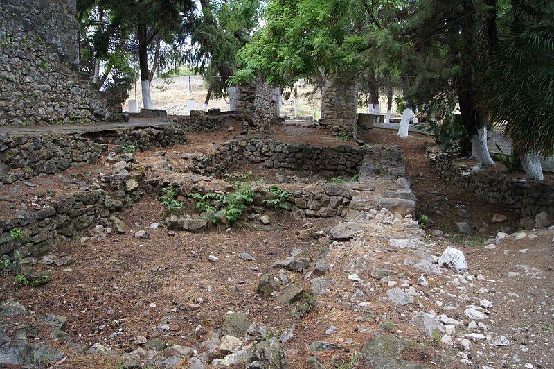File:Orchomenus Mycenean Palace.jpg