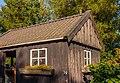 Oud scheefgezakt houten tuinschuurtje. Locatie, Tuinreservaat Jonkervallei 04.jpg
