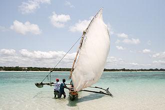 Coast Province - Image: Outrigger canoe in Kenya